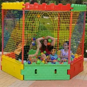 Piscina castelinho de bolinhas ii jund play fantasy for Piscina de bolas toysrus